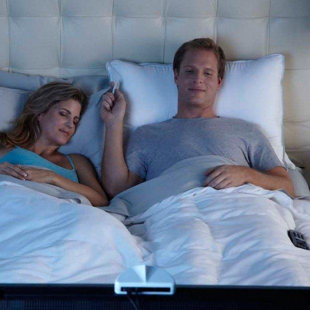Guardare la tv senza disturbare: arriva SoftSound® Pillow Speaker