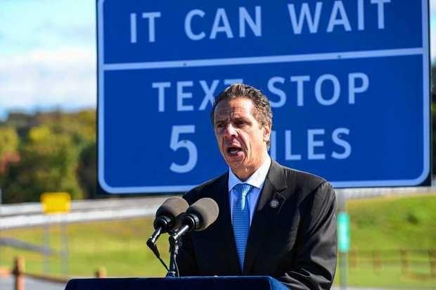 Nello stato di New York arrivano le texting zones: le aree di sosta per inviare sms