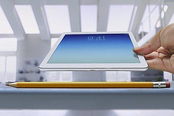 Apple presenta l'iPad Air con lo spot Pencil e la voce narrante di Bryan Cranston