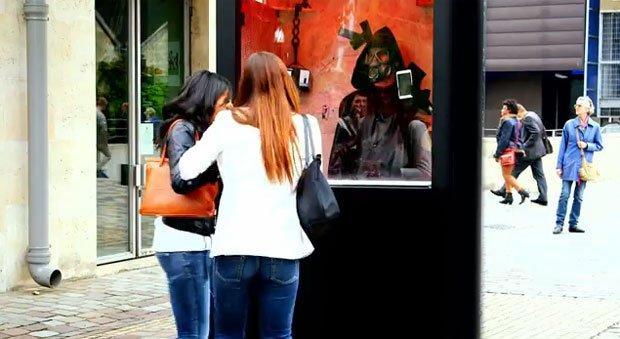 LG Francia: uno smartphone gratis se distruggi il tuo