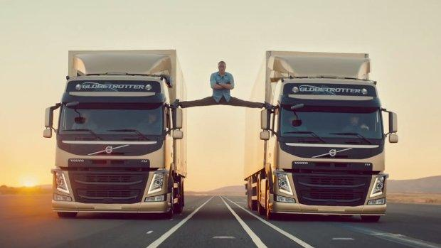 Volvo e Van Damme insieme per l'epic split [VIRAL VIDEO]