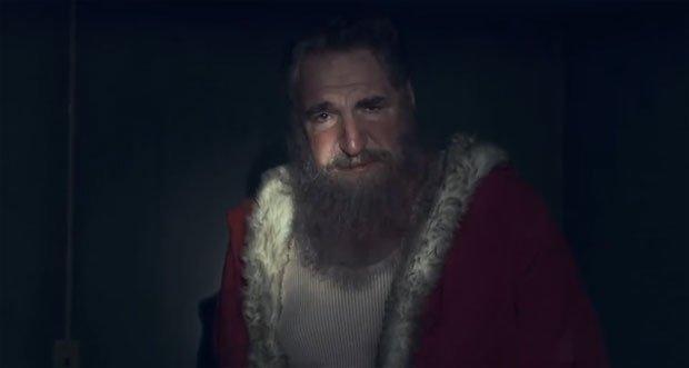 Greenpeace porta un messaggio urgente da Babbo Natale