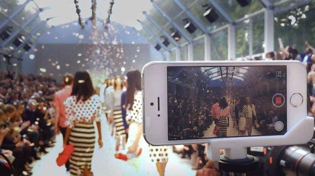 Apple e Burberry: l'iPhone 5s arriva sulle passerelle