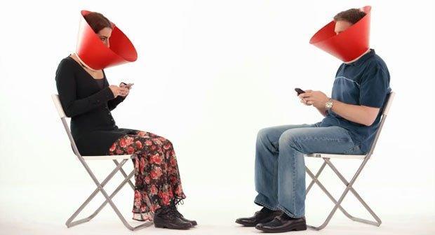 Dipendenza da social network: la soluzione di Coca Cola