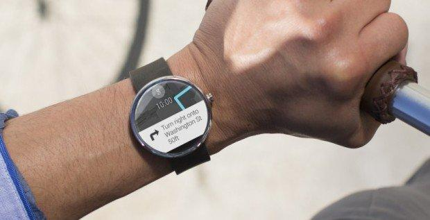 francesco_piccolo_moto_360_secondo_dispositivo_indossabile_di_Google_smartwatch