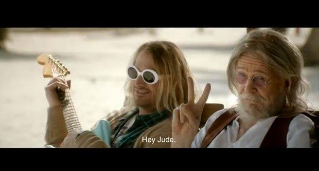 Elvis vivo? Sì, e beve birra con Cobain, Lennon e Marylin