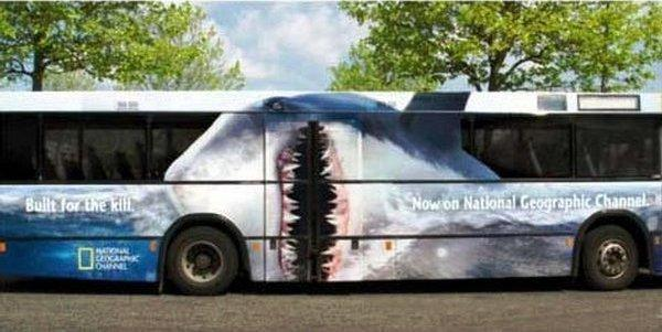 "Unconventional Days: National Geographic Shark Bus [-8 al corso in ""NON-CONVENTIONAL & VIRAL MKTG""]"