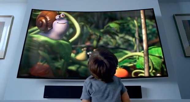 Una super citazione da film: ecco lo spot della tv curva Samsung