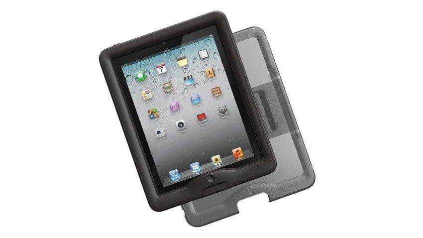 """8 gadget """"waterproof"""": un'estate senza rischi per il vostro device"""