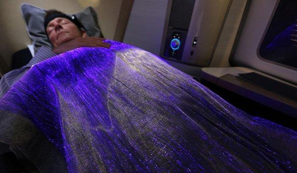 British Airways lancia una coperta per misurare lo stato d'animo dei passeggeri