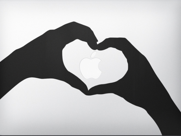 Gli adesivi per MacBook protagonisti dell'ultimo spot Apple
