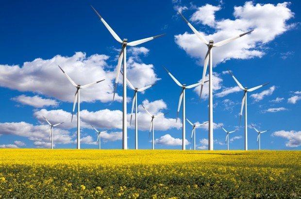 Rinnovabili in Italia: un futuro più piccolo, più eolico e più internazionale