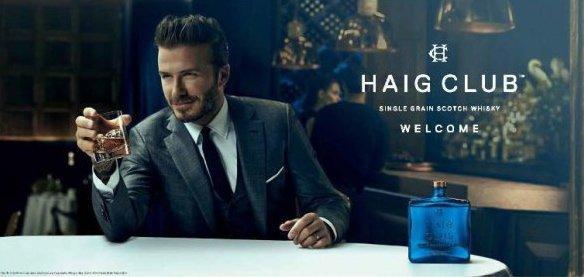 David Beckham completamente vestito in uno spot