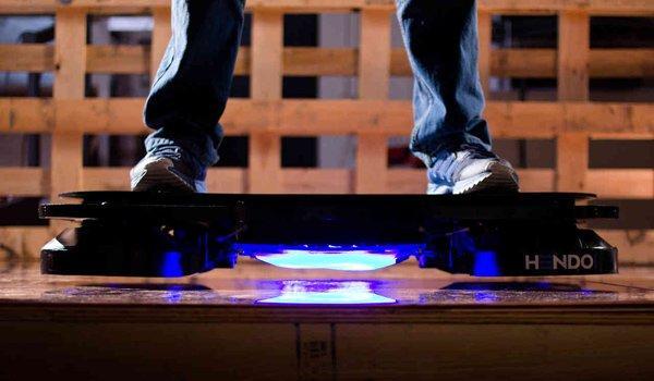 L'Hoverboard di Ritorno al Futuro diventa realtà e arriva su Kickstarter