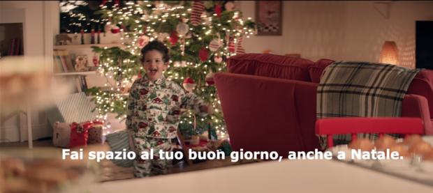 """Con IKEA """"Fai spazio al tuo buon giorno, anche a Natale"""""""