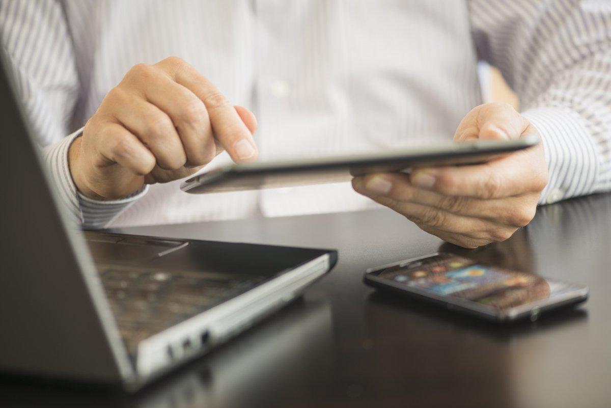 Hi-tech è bello: una riflessione sulle sfide e le opportunità delle nuove tecnologie digitali