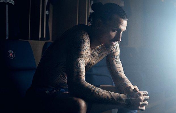 I tatuaggi di Ibrahimovic contro la fame nel mondo [VIDEO]