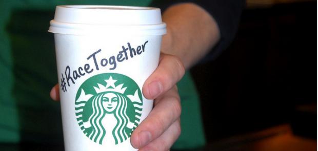 Starbucks, si può parlare davvero di tutto davanti a un caffè?