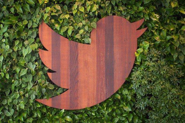 Twitter inverte la rotta: via libera alle conversazioni private