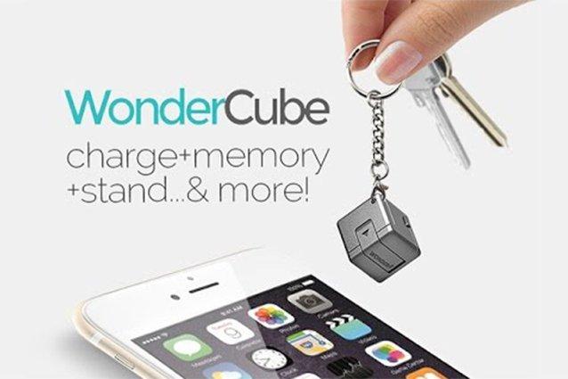 Wondercube: un piccolo accessorio per smartphone che fa tutto