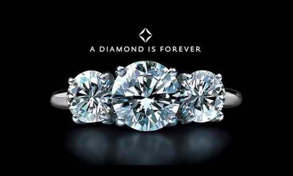 """Lo slogan del secolo pronto per il reboot: De Beers (ri)lancia """"un diamante è per sempre"""""""