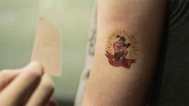 Idee per volantini pubblicitari? Provate con i tattoo