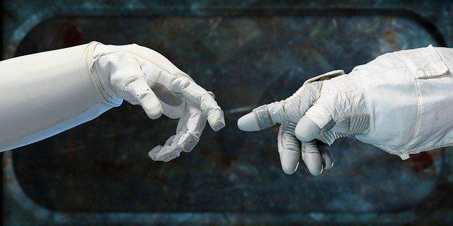 Dal sesto dito ai droni tattili: 10 progetti di robot che ti salvano la vita