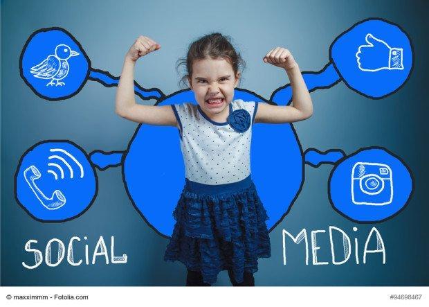 Facebook e foto di minori: a breve l'alert per i genitori