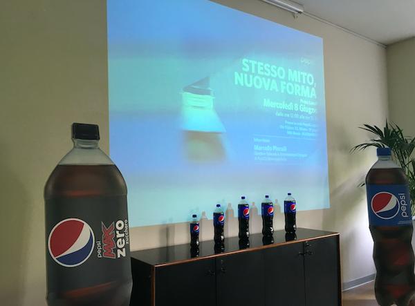 Pepsi Italia presenta la nuova bottiglia