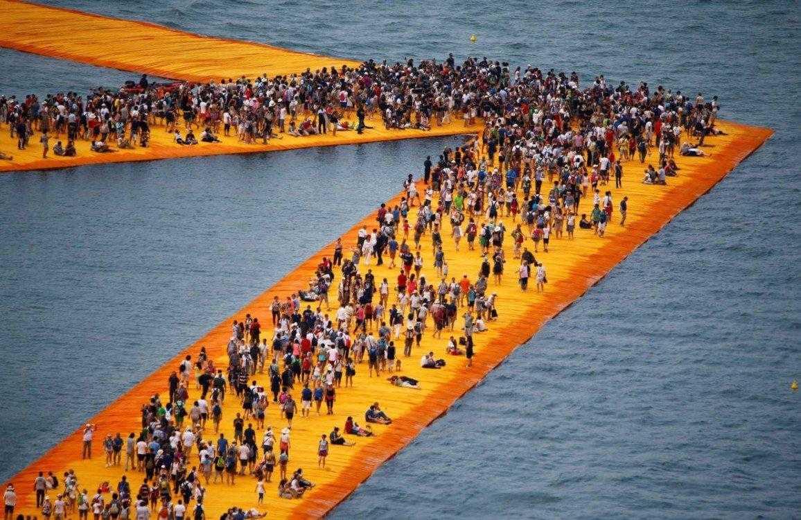 The-Floating-Piers-passerella-Christo-lago-diseo-16