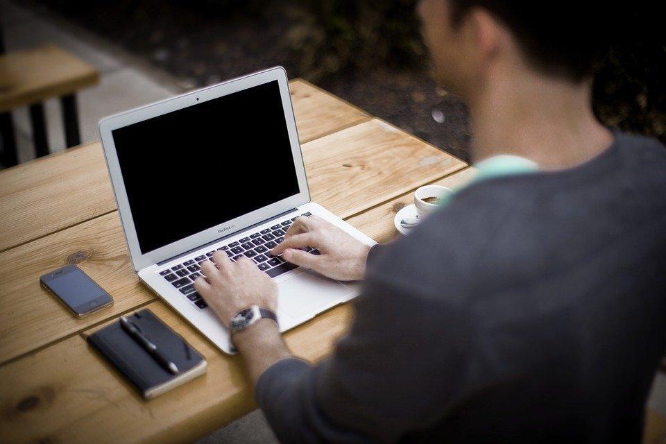 Mya: arriva il chatbot anche per i colloqui di lavoro