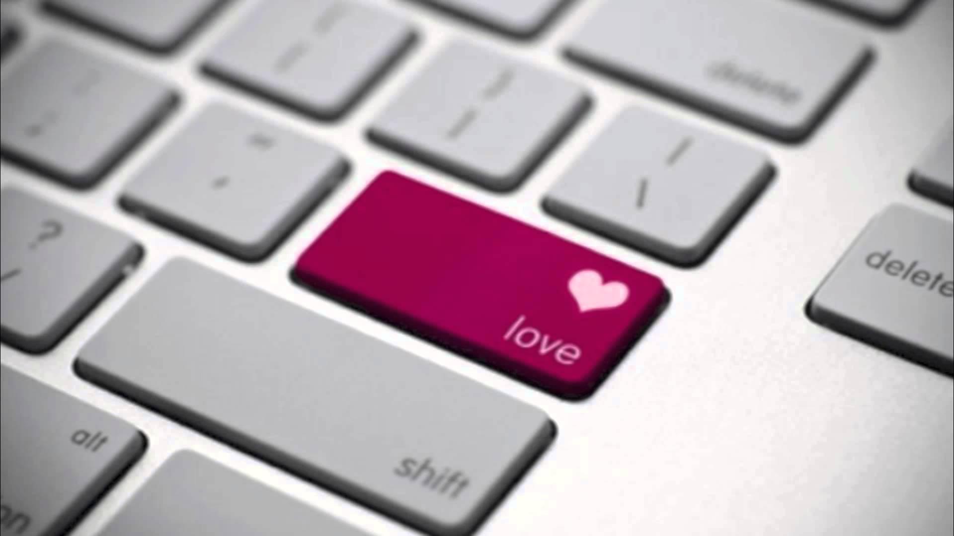 Sei archetipi di innamorati sui social network