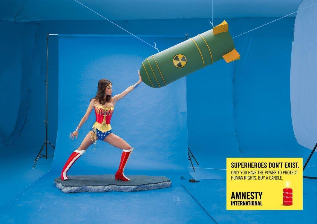 A 75 anni Wonder Woman diventa il simbolo discusso dei diritti delle donne