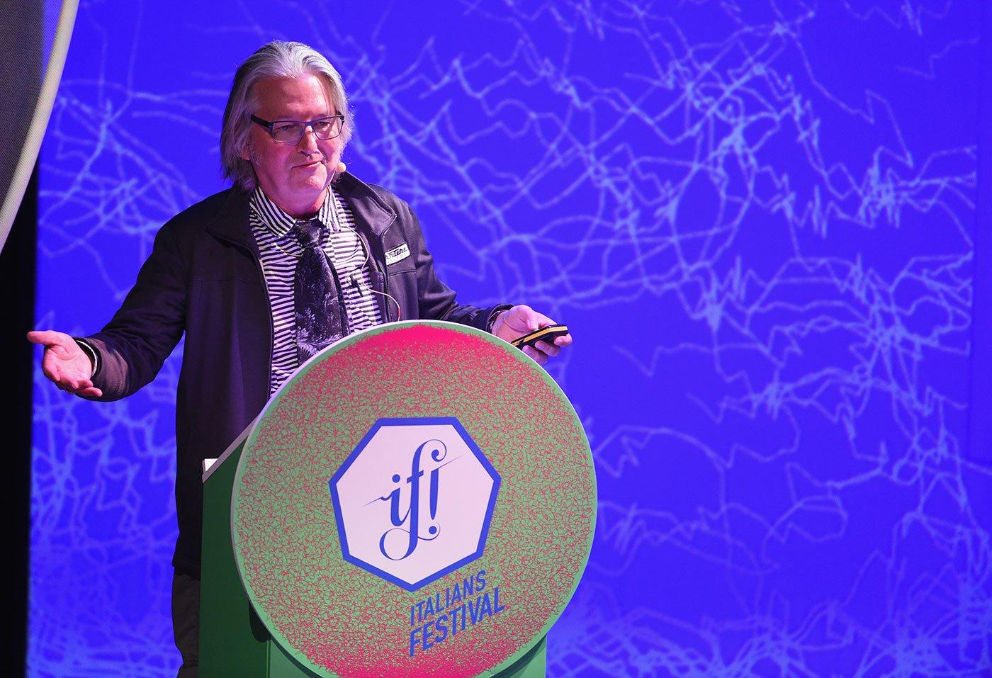 Bruce Sterling, l'intervista al grande scrittore in occasione di IF! Italians Festival