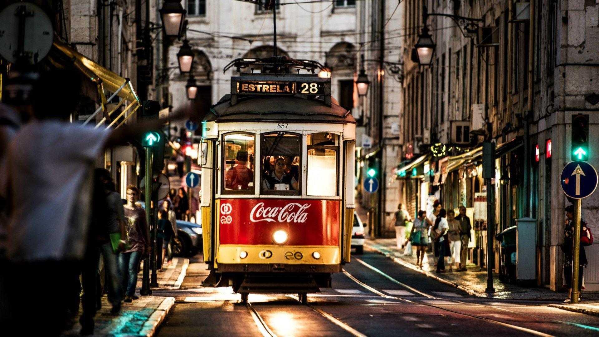 Cities_Tram_in_Lisbon__Portugal_094297_Web Summit