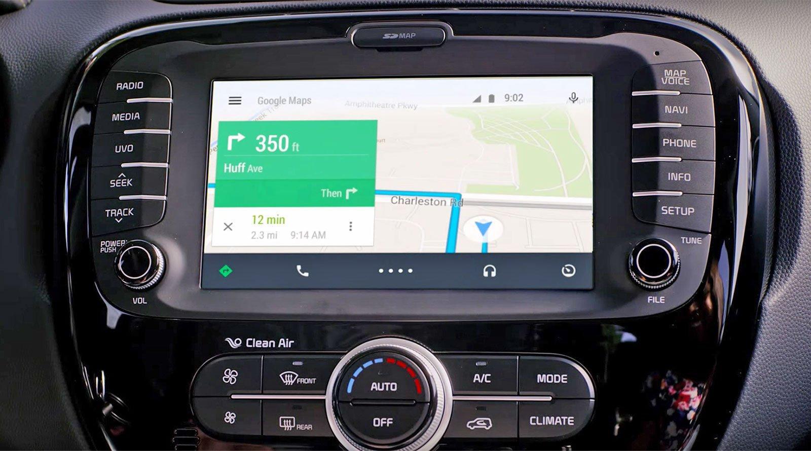 Siete pronti a parlare alla vostra auto? Con Google è ora possibile farlo