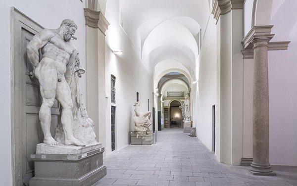 White in the city: Milano si tinge di bianco per il Fuorisalone 2017