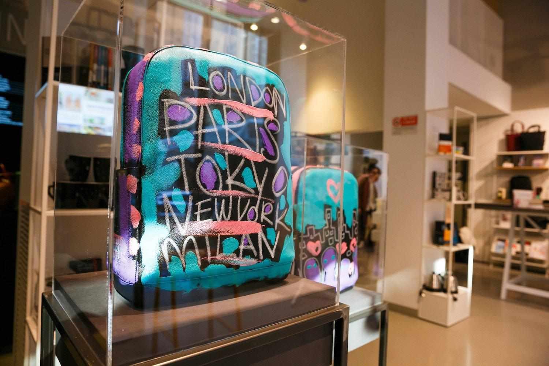 Moleskine incontra la street art con la collezione di borse firmata da Bradley Theodore