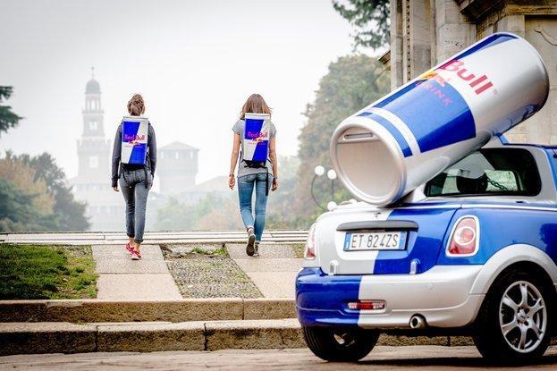 La storia dell'imprevedibile successo del marchio Red Bull