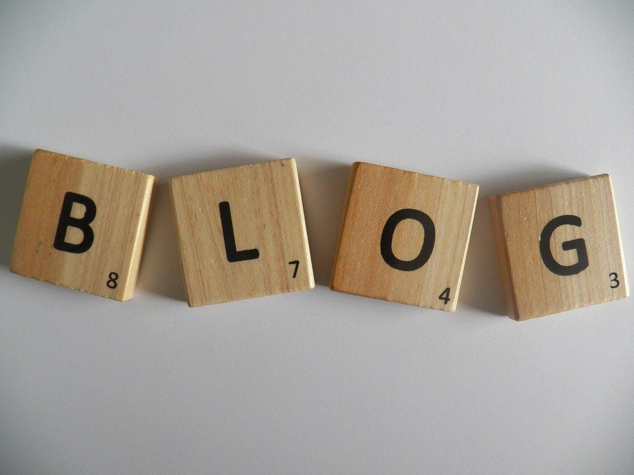 blog-372771_1280