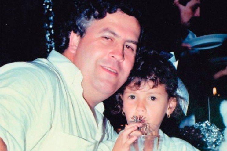 Pablo Escobar con la figlia Manuela