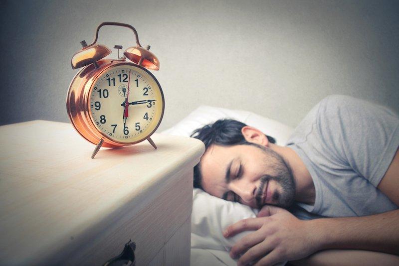 Di quante ore di sonno abbiamo veramente bisogno?