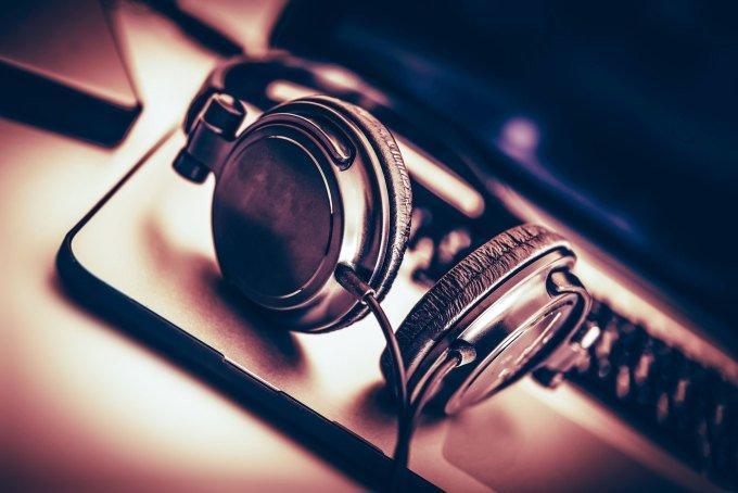 Sarà l'Intelligenza Artificiale a scrivere e comporre la musica del futuro?
