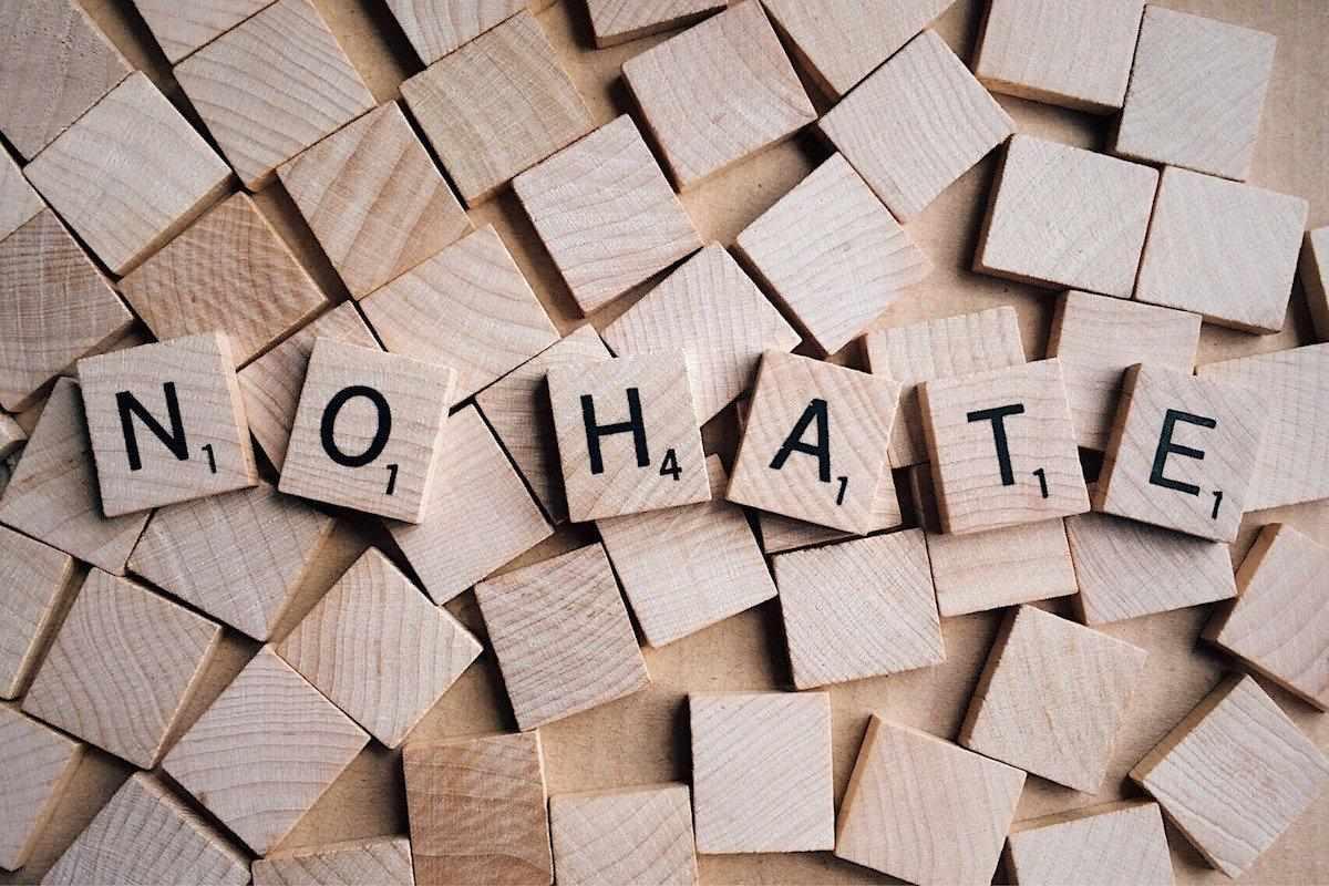 Hate speech: tempo di provvedimenti per combattere l'odio sui social