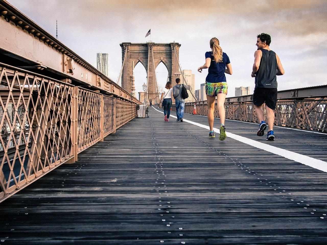 """""""Alzati e cammina"""": come essere più felici, creativi, produttivi"""