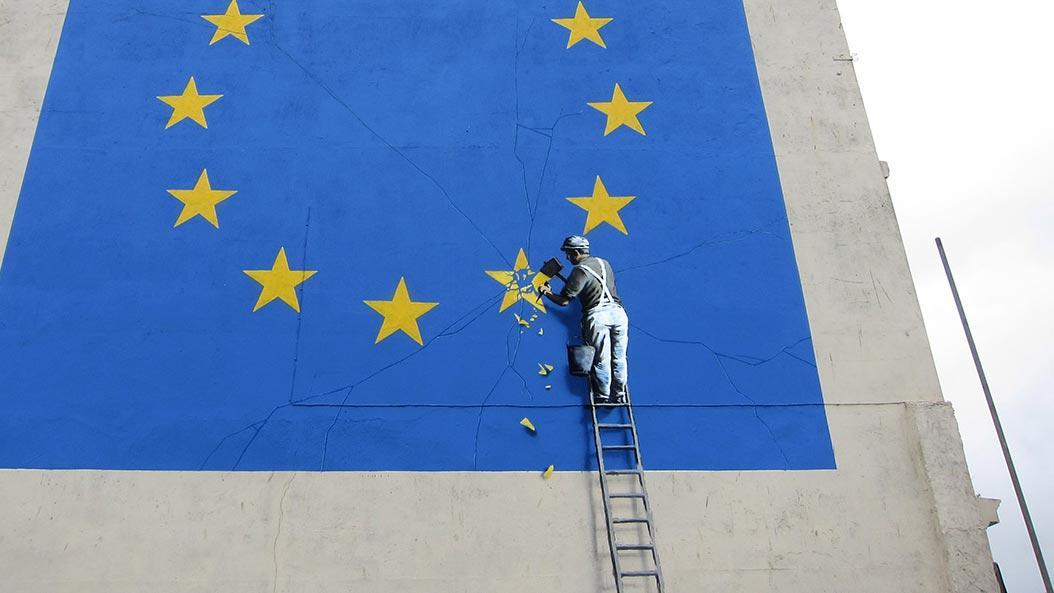 Banksy regala un'opera inedita a chi voterà contro i conservatori
