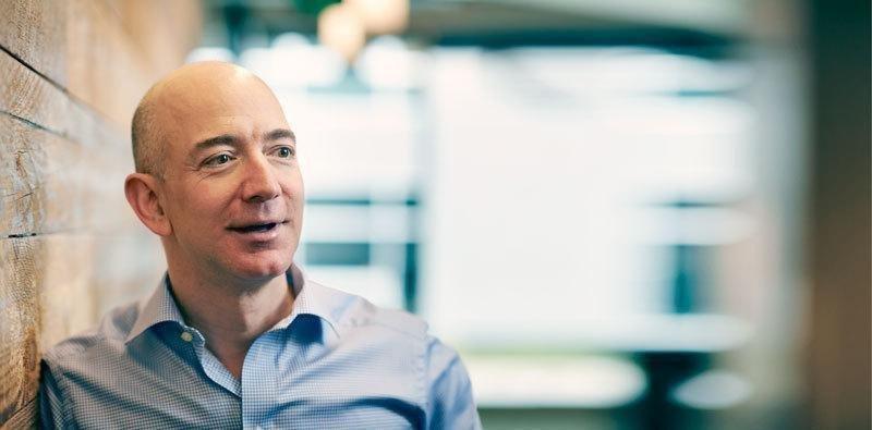 """Jeff Bezos dona 33 milioni di dollari per aiutare i """"dreamers"""""""