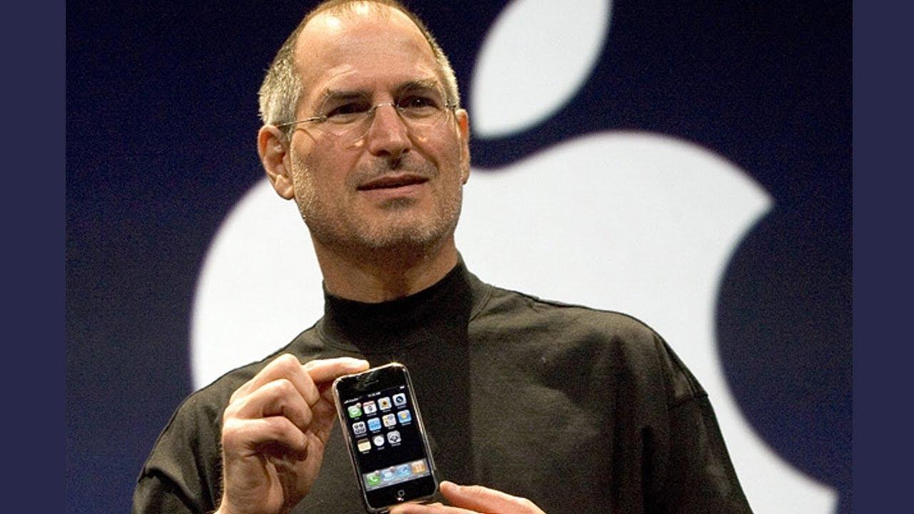 Steve Jobs annunci ail primo. iPhone nel 2007