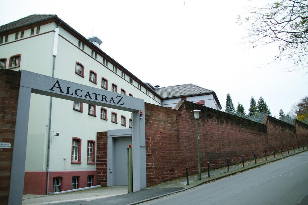 alcatraz htl