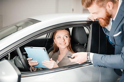 Google descrive il processo decisionale per l'acquisto della nuova auto